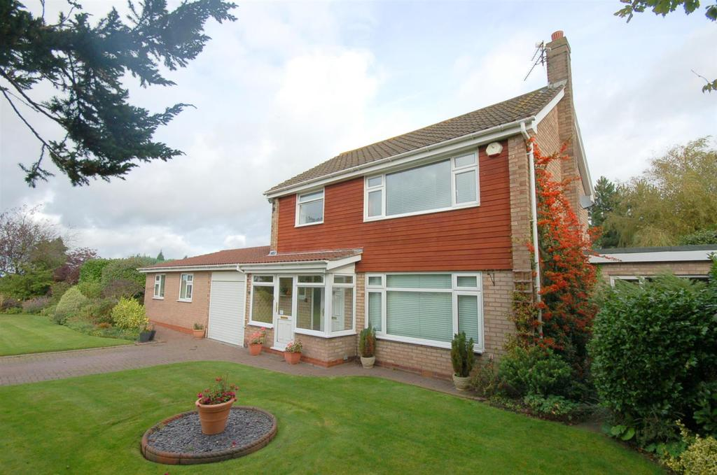 4 Bedrooms Detached House for sale in Heathend Road, Alsager