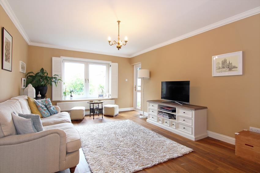 2 Bedrooms Flat for sale in Listergate, Putney