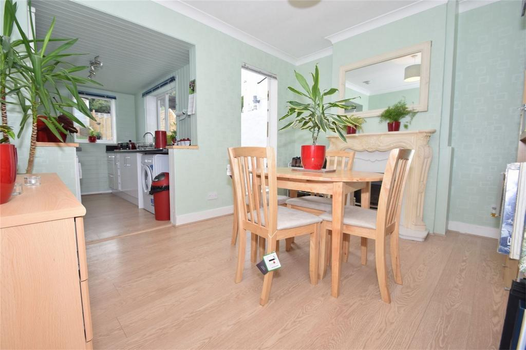 2 Bedrooms Terraced House for sale in Upper Luton Road, Chatham, Kent