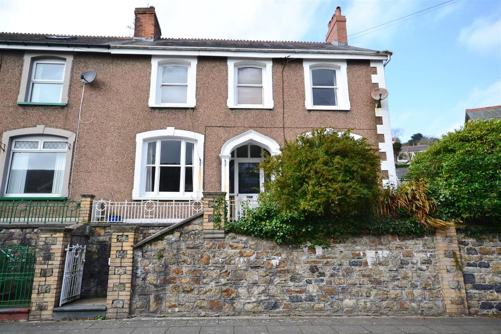 5 Bedrooms Semi Detached House for sale in Goodwick