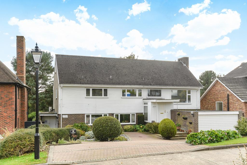 5 Bedrooms Detached House for sale in Raggleswood Chislehurst BR7