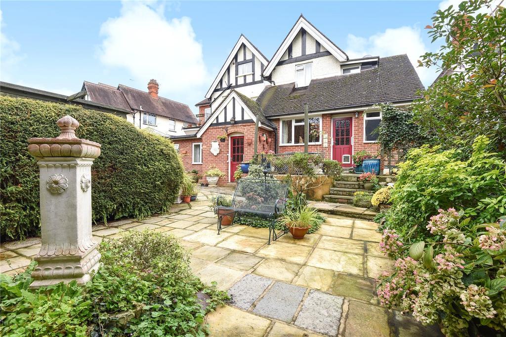 3 Bedrooms Maisonette Flat for sale in Bolton Crescent, Windsor, Berkshire, SL4