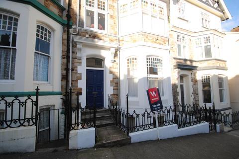 2 bedroom flat for sale - Queen Annes, High Street