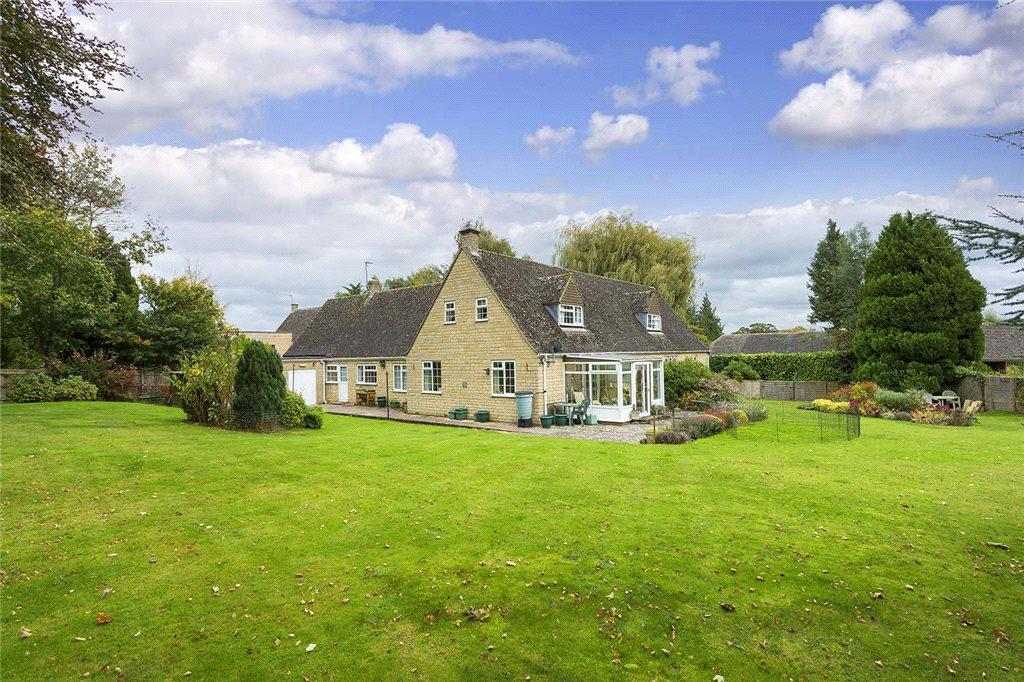 5 Bedrooms Detached Bungalow for sale in Aston House, Broadwell, Gloucestershire, GL56