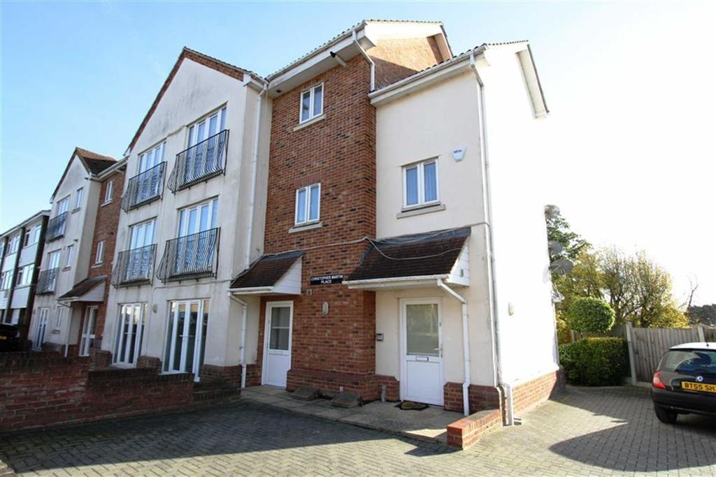 3 Bedrooms Duplex Flat for sale in Christopher Martin Place, Billericay