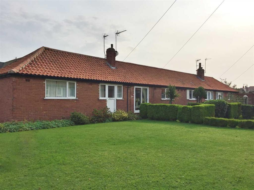 2 Bedrooms Bungalow for sale in NEW - West Vale, Filey