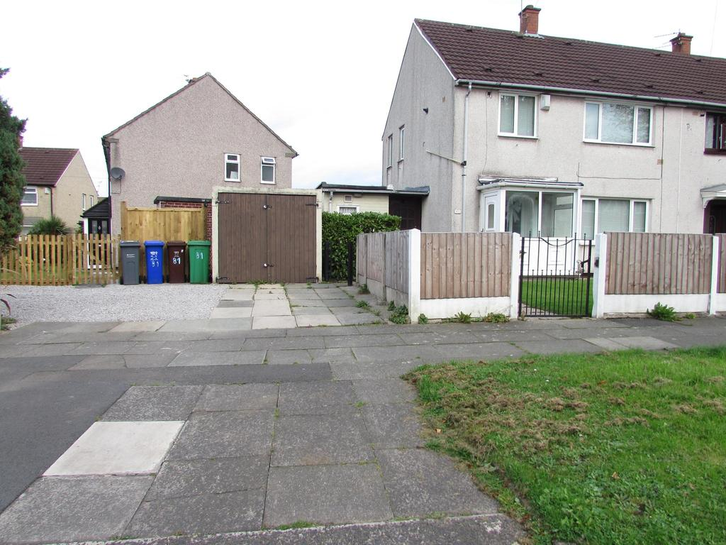 3 Bedrooms End Of Terrace House for sale in Ravenscar Crescent, Woodhouse Park, Manchester, M22