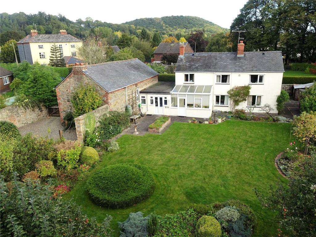 3 Bedrooms Detached House for sale in Guilsfield, Welshpool, Powys