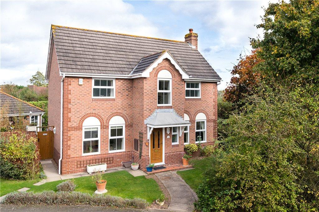 4 Bedrooms Detached House for sale in St James Close, Bartestree, Hereford, HR1