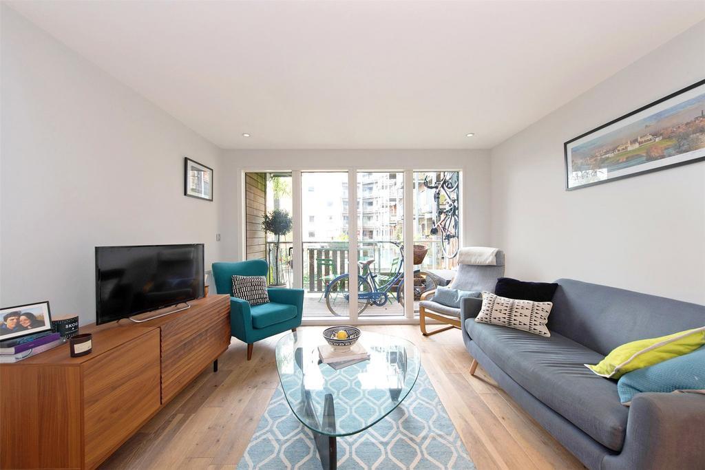 2 Bedrooms Flat for sale in Seren Park Gardens, Blackheath, London, SE3