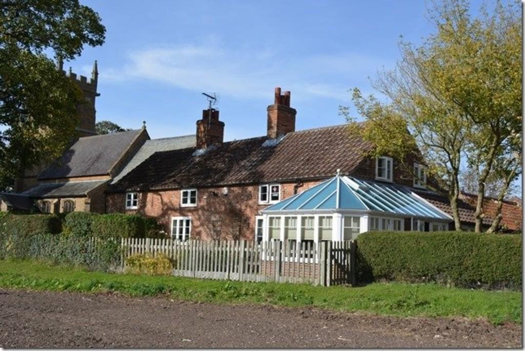 4 Bedrooms Detached House for sale in Aylesby, North East Lincolnshire