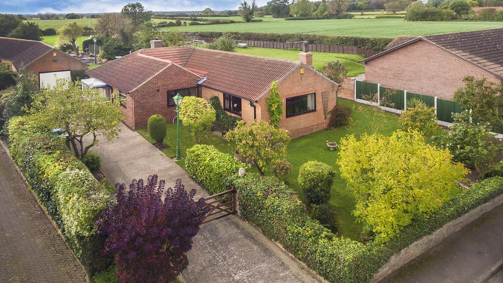 3 Bedrooms Detached Bungalow for sale in Town Street, Clayworth, Retford