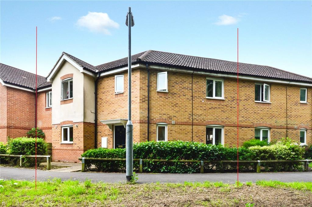 3 Bedrooms House for sale in Tristram Close, Yeovil, Somerset, BA21