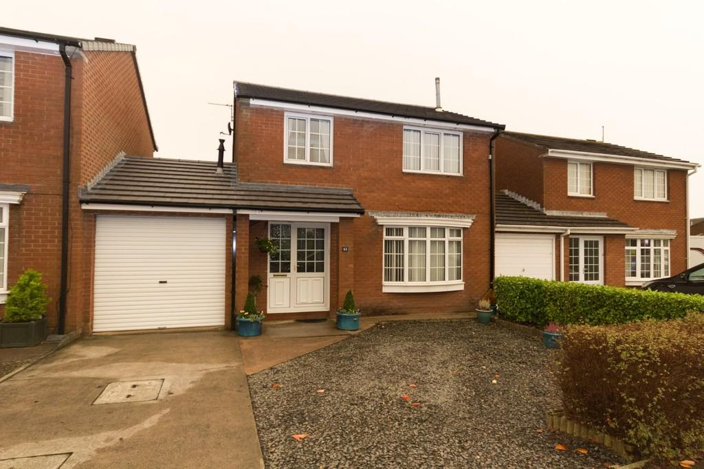 3 Bedrooms Link Detached House for sale in Glenridding Drive, Barrow In Furness