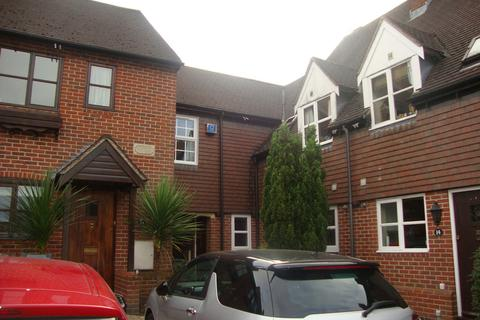 3 bedroom mews to rent - Dell Farm Close, Knowle
