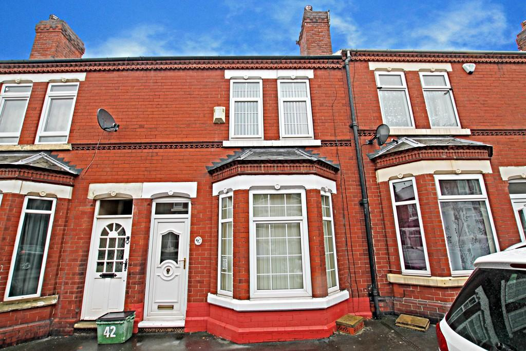 3 Bedrooms Terraced House for sale in Earlesmere Avenue, Balby , Doncaster
