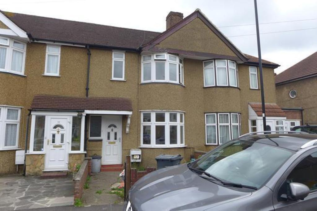 3 Bedrooms Terraced House for sale in Sunningdale Avenue, Hanworth, TW13