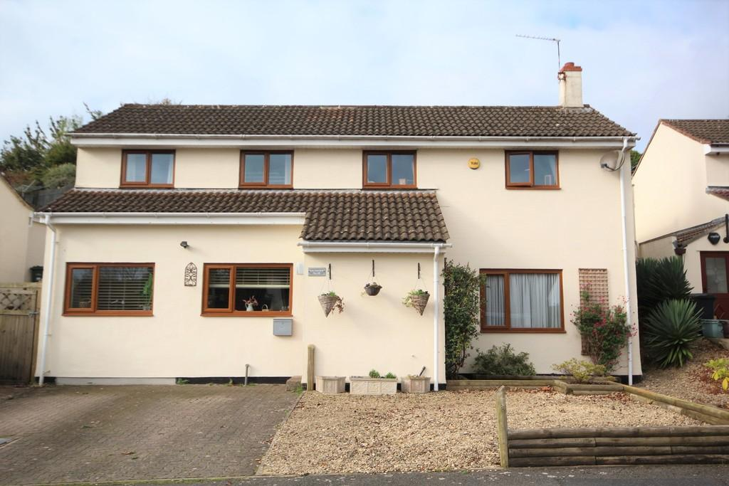 4 Bedrooms Detached House for sale in Popular cul-de-sac in Winford.