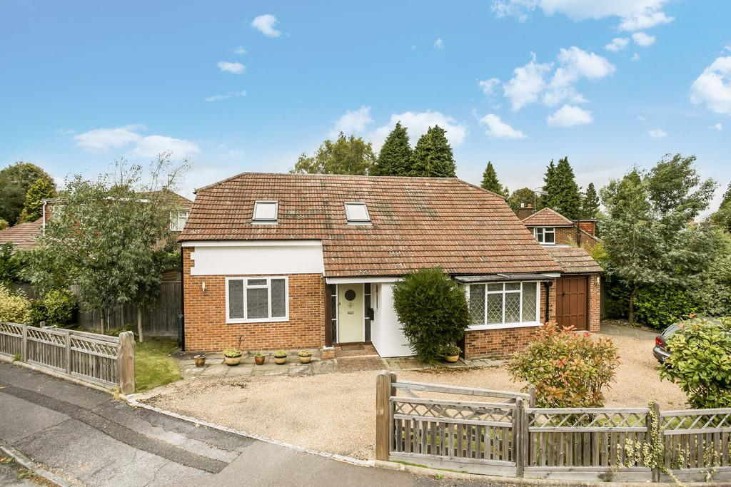 3 Bedrooms Detached Bungalow for sale in Hargate Close, Tunbridge Wells