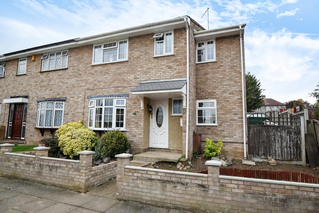 4 Bedrooms End Of Terrace House for sale in Braeside Crescent Bexleyheath DA7