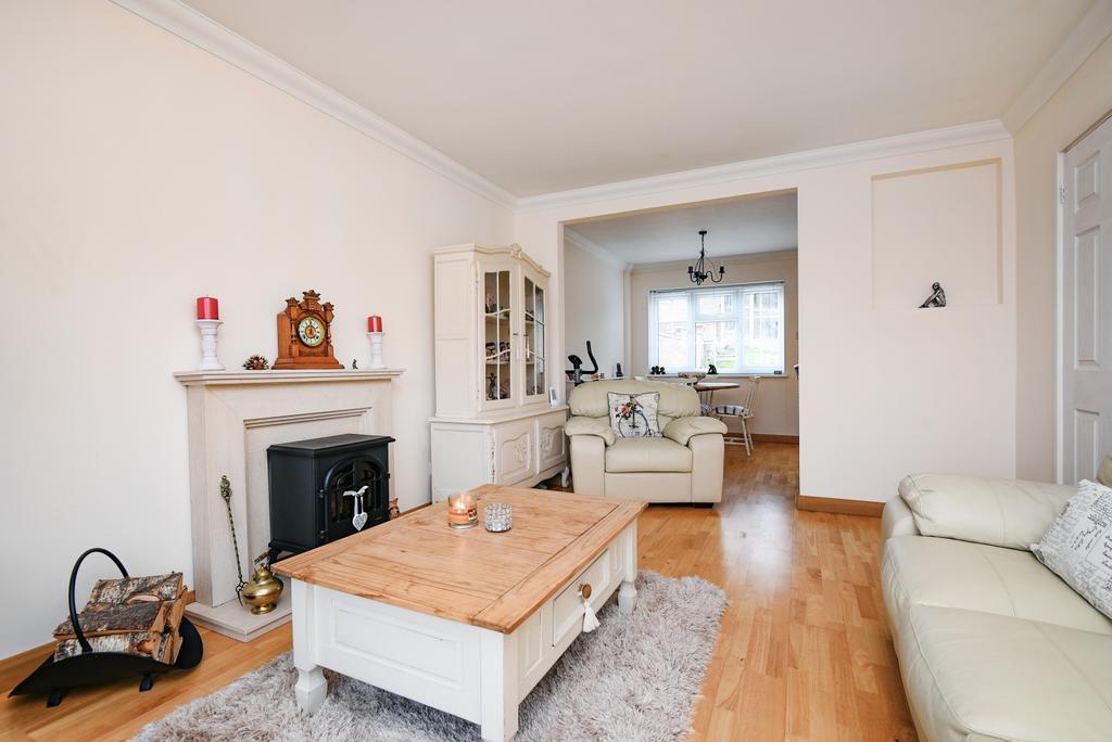 4 Bedrooms End Of Terrace House for sale in Braeside Crescent Bexleyheath DA7