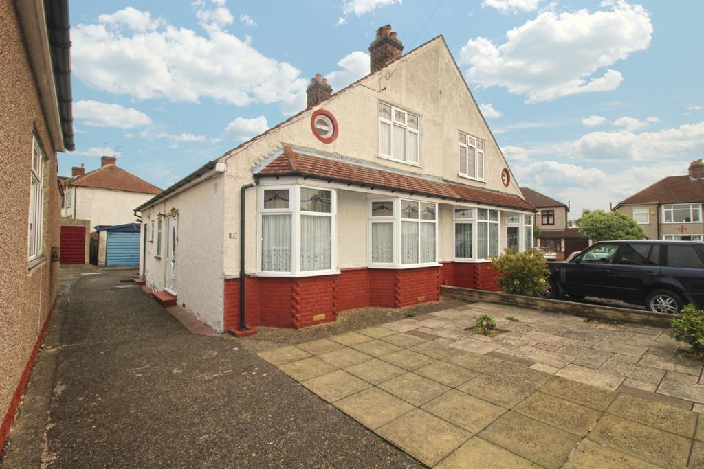 3 Bedrooms Semi Detached House for sale in Marley Avenue Bexleyheath DA7