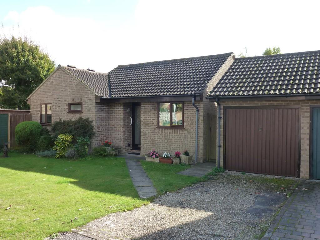 3 Bedrooms Detached Bungalow for sale in Viborg Gardens, Maldon