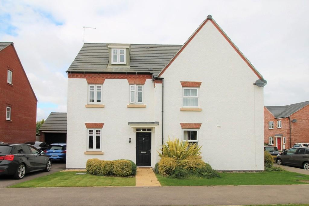 3 Bedrooms Semi Detached House for sale in Angell Drive, Market Harborough