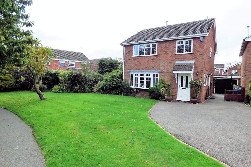 4 Bedrooms Detached House for sale in Saffron Close, Barton Under Needwood