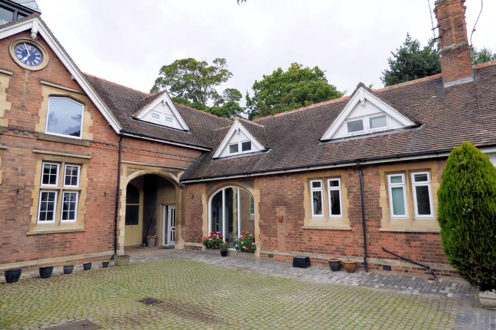 3 Bedrooms House for sale in Newton Park, Newton Solney