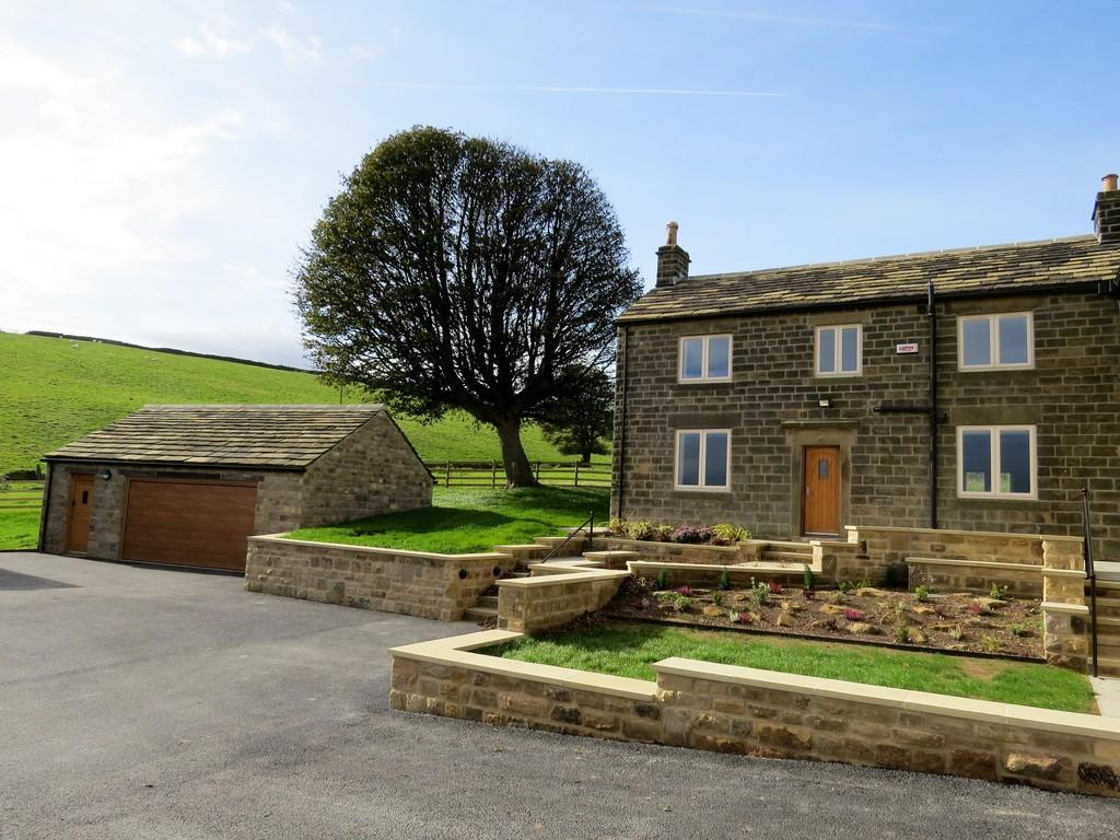3 Bedrooms Farm House Character Property for sale in Hill House, Lumb Lane, Oughtibridge