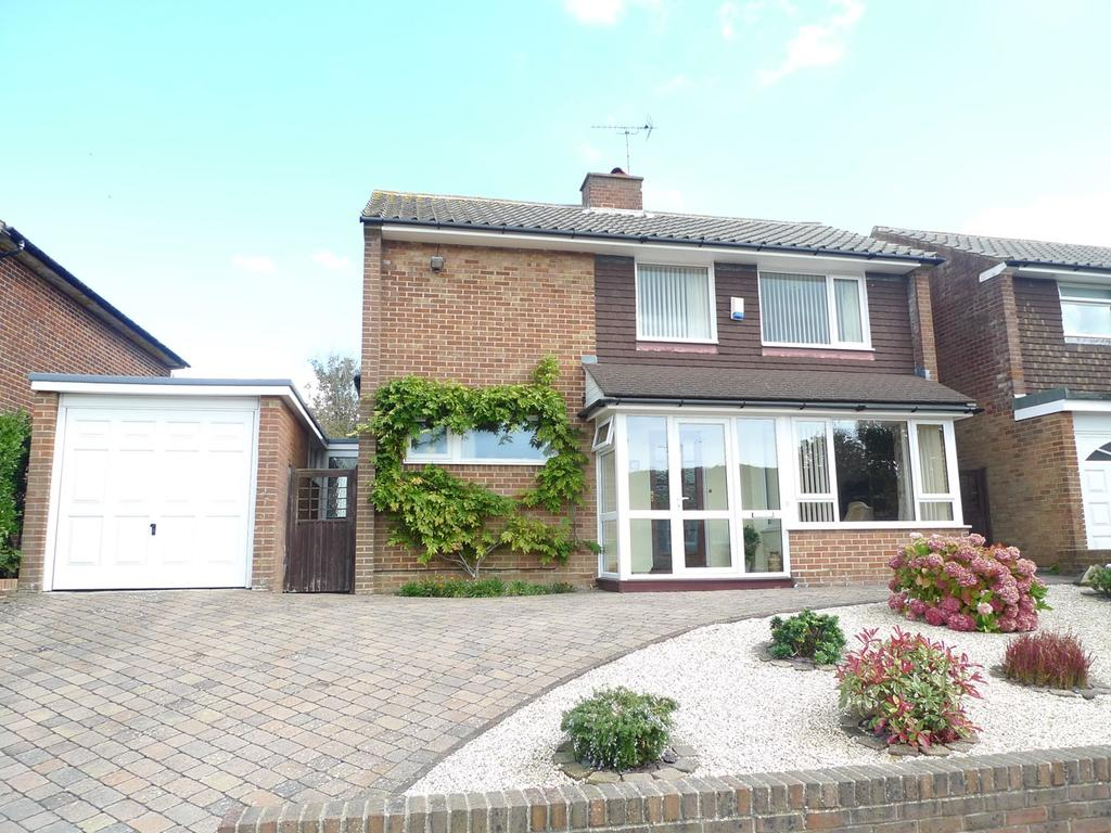 4 Bedrooms Detached House for sale in Glendale Avenue, Old Town, Eastbourne, BN21