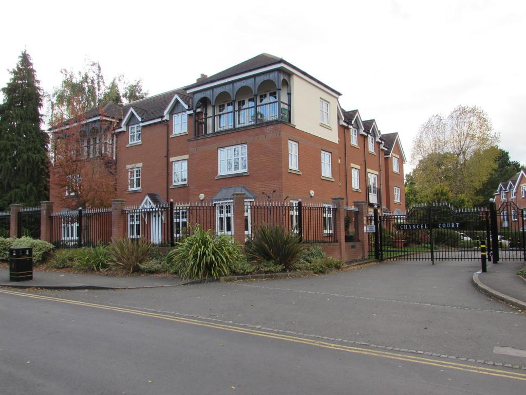 3 Bedrooms Apartment Flat for sale in Chancel Court, Solihull