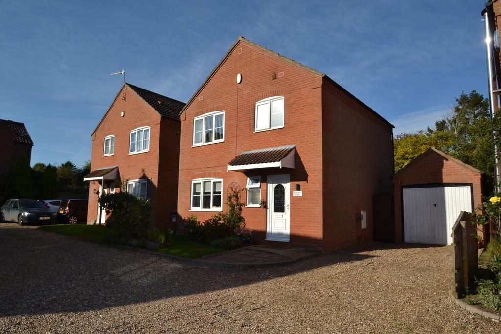3 Bedrooms Detached House for sale in Corpusty
