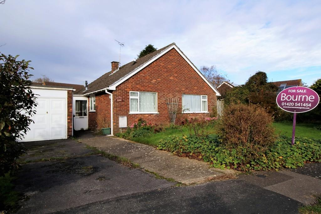 3 Bedrooms Detached Bungalow for sale in Thorn Lane, FOUR MARKS, Hampshire