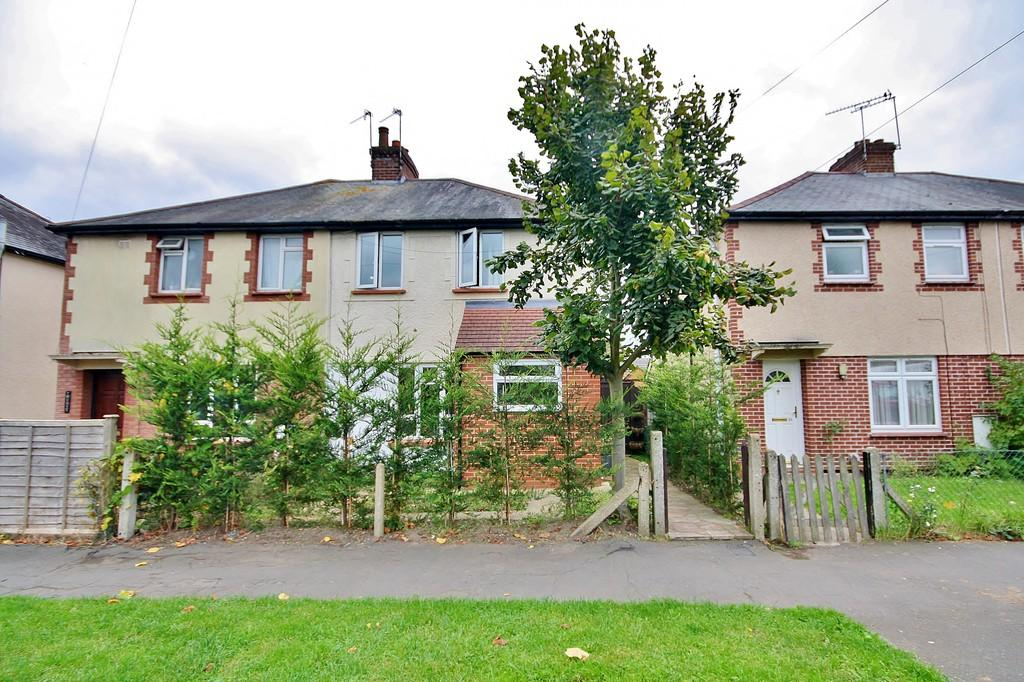 3 Bedrooms Semi Detached House for sale in Old Woking, Woking