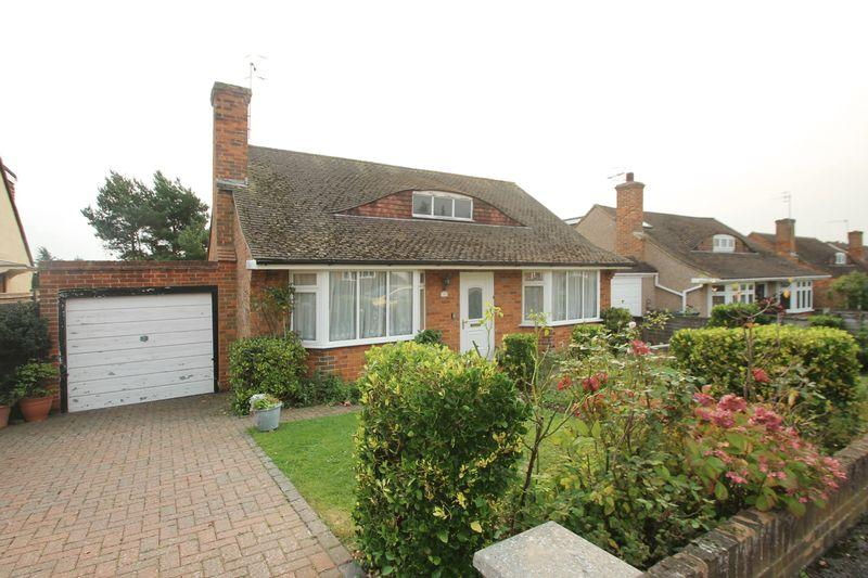 2 Bedrooms Detached Bungalow for sale in Colin Blythe Road, Tonbridge