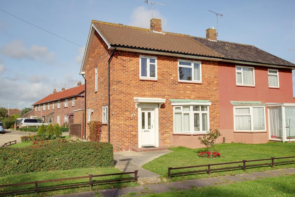 3 Bedrooms Semi Detached House for sale in The Avenue, Goring By Sea, BN12 6JA