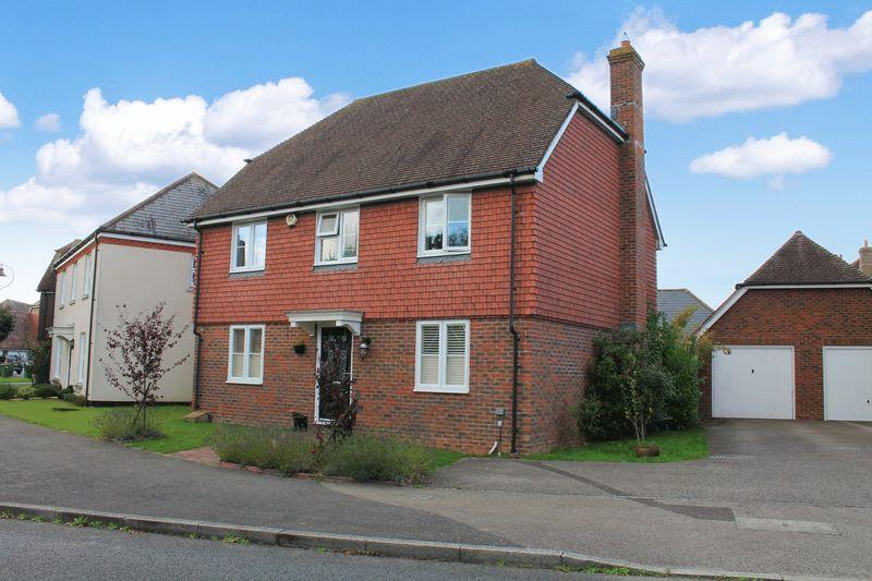 4 Bedrooms Detached House for sale in Luxford Way, Billingshurst