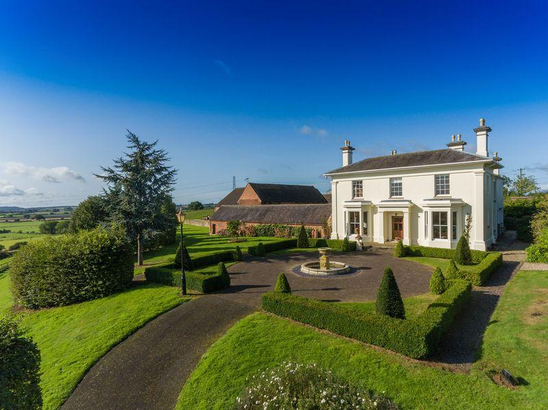 5 Bedrooms Detached House for sale in The Manor, Little Moor Grange, Pattingham