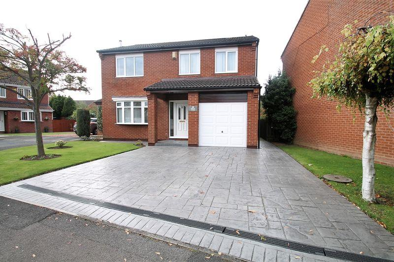 4 Bedrooms Detached House for sale in Troon Close, Billingham