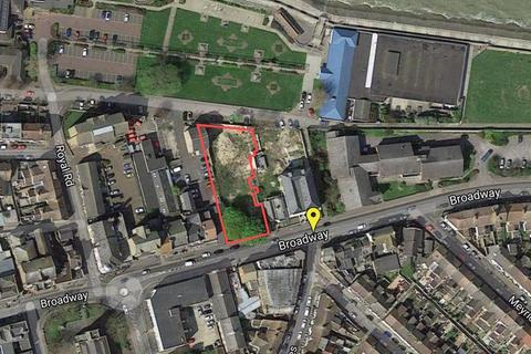 2 bedroom property with land for sale - BROADWAY, SHEERNESS