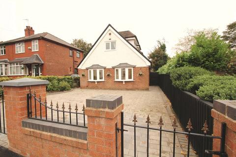 4 bedroom detached bungalow for sale - Greave, Romiley