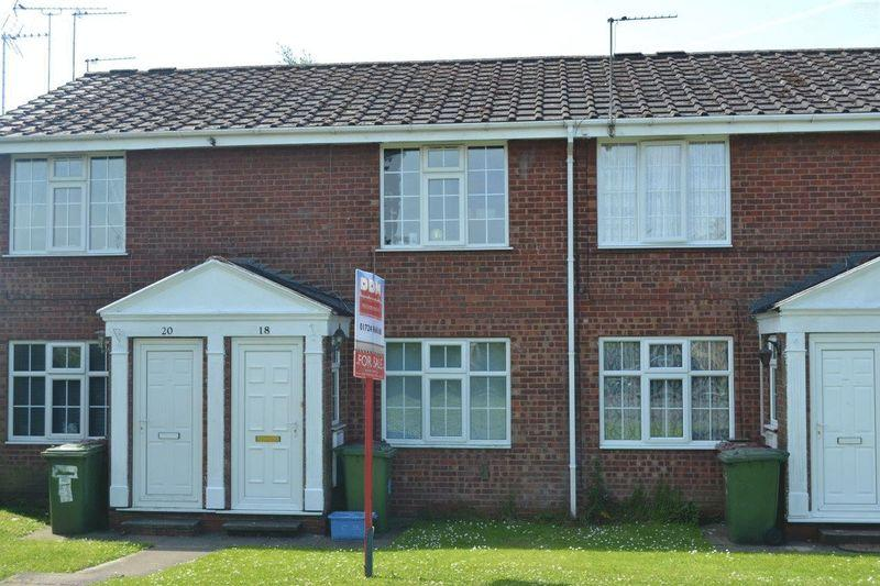 2 Bedrooms Apartment Flat for sale in Wilkie Close, Scunthorpe