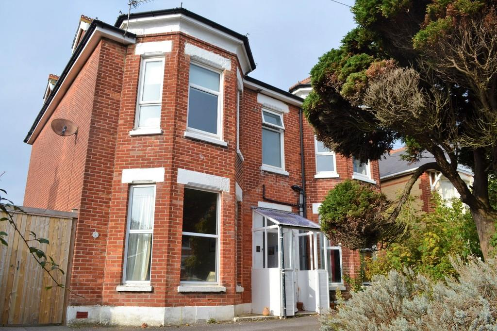 3 Bedrooms Apartment Flat for sale in Alexandra Road, Southbourne, Bournemouth