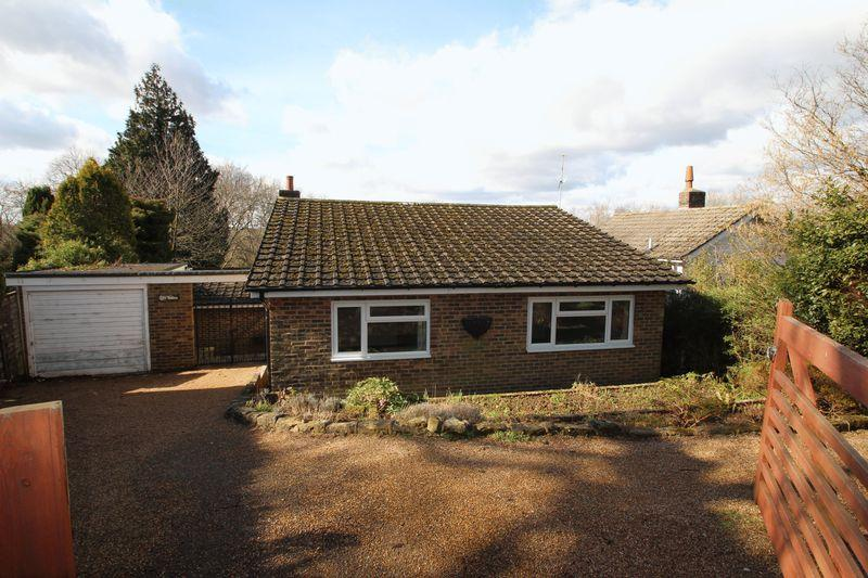 3 Bedrooms Detached Bungalow for rent in Newick Lane, Mayfield