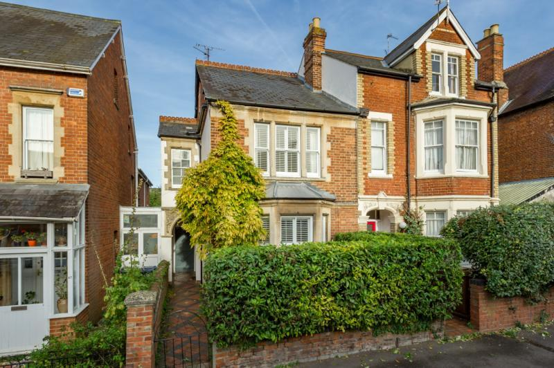 4 Bedrooms Semi Detached House for sale in Divinity Road, East Oxford