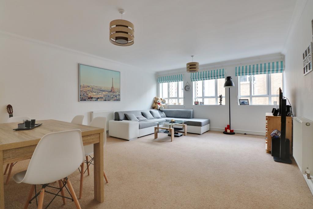 2 Bedrooms Flat for sale in Osborne Road, Southsea