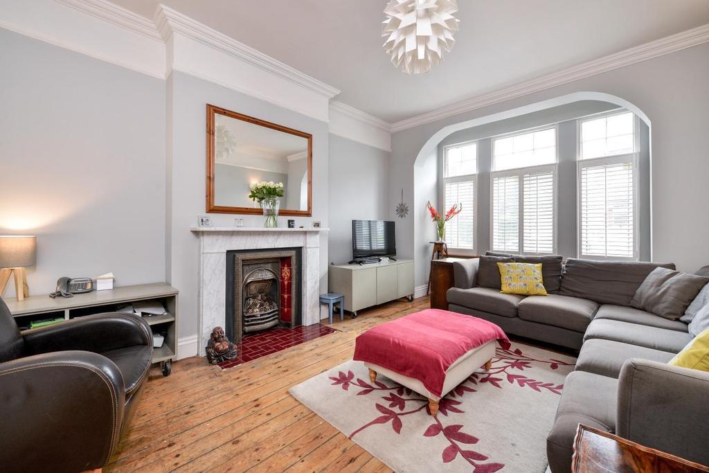 5 Bedrooms Terraced House for sale in Nimrod Road, Furzedown