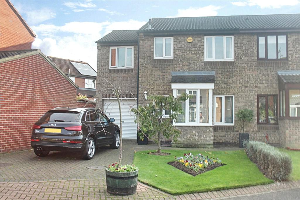 3 Bedrooms Semi Detached House for sale in Nutfield Close, Hemlington